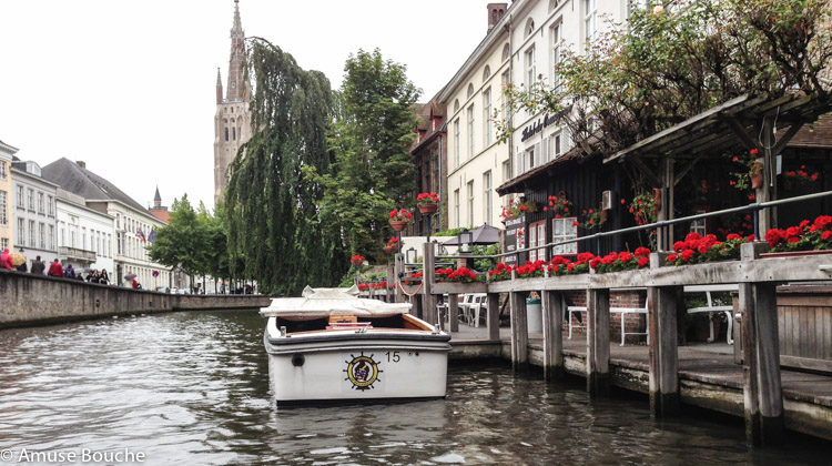 plimbare pe canale in Bruges