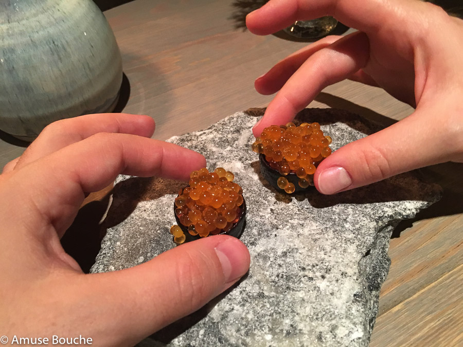 Wild trout roe served in a crust of dried pig's blood la Faviken 2 stele Michelin