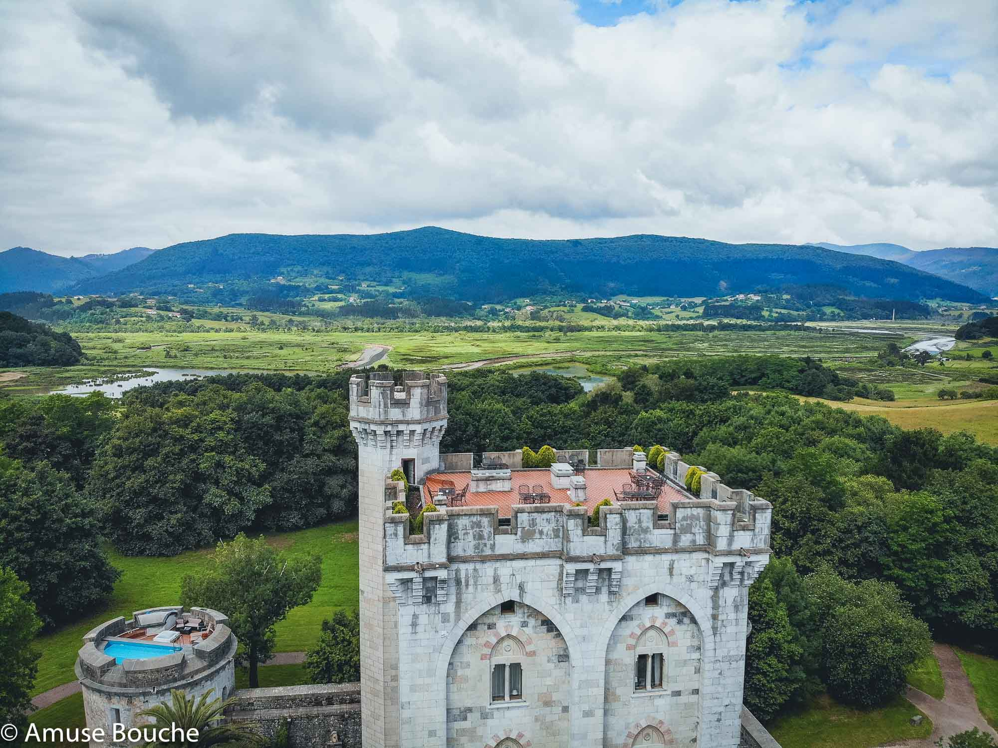 Țara Bascilor Castillo de Arteaga aerial side view
