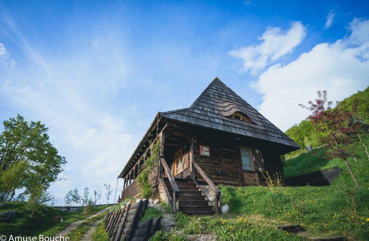 Raven's nest village